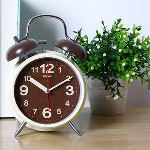 reloj de mesita de noche
